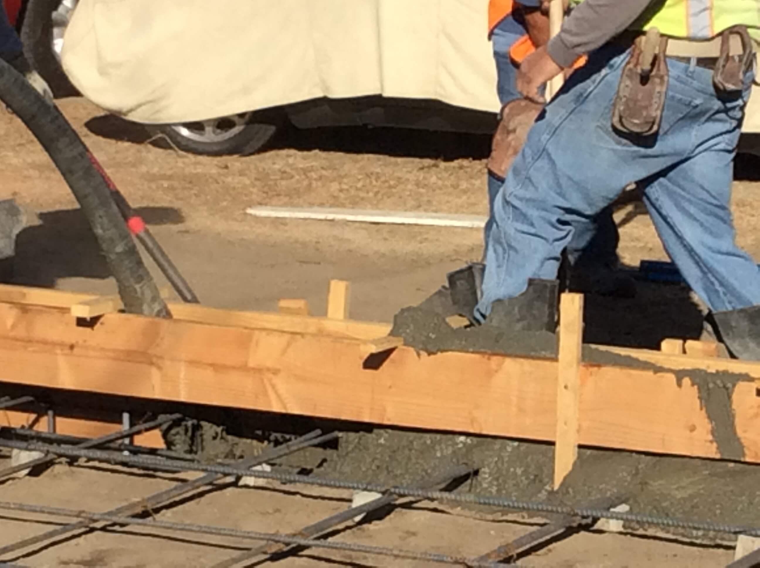 3b AMRON pressing concrete