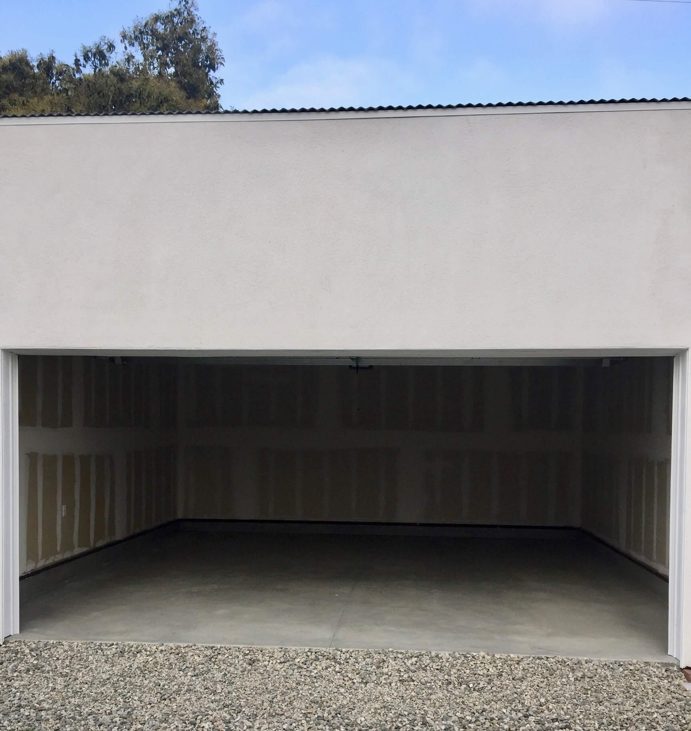 9b AMRON new garage construction open door 2