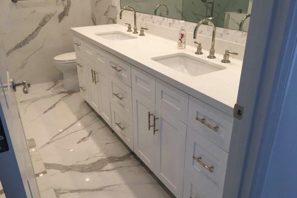 21 design build master bath © amronconstruction.com
