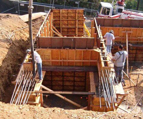 2a AMRON pouring concrete forms