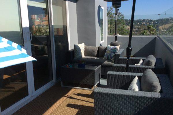 9a exterior paint downstairs deck © amronconstruction.com