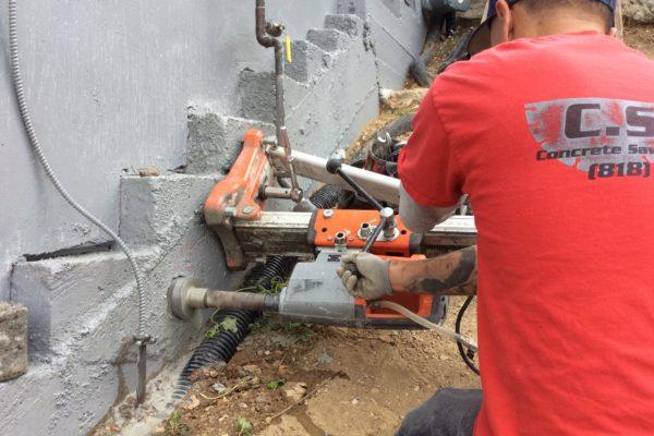 installing draim pipe 3 © amronconstruction.com